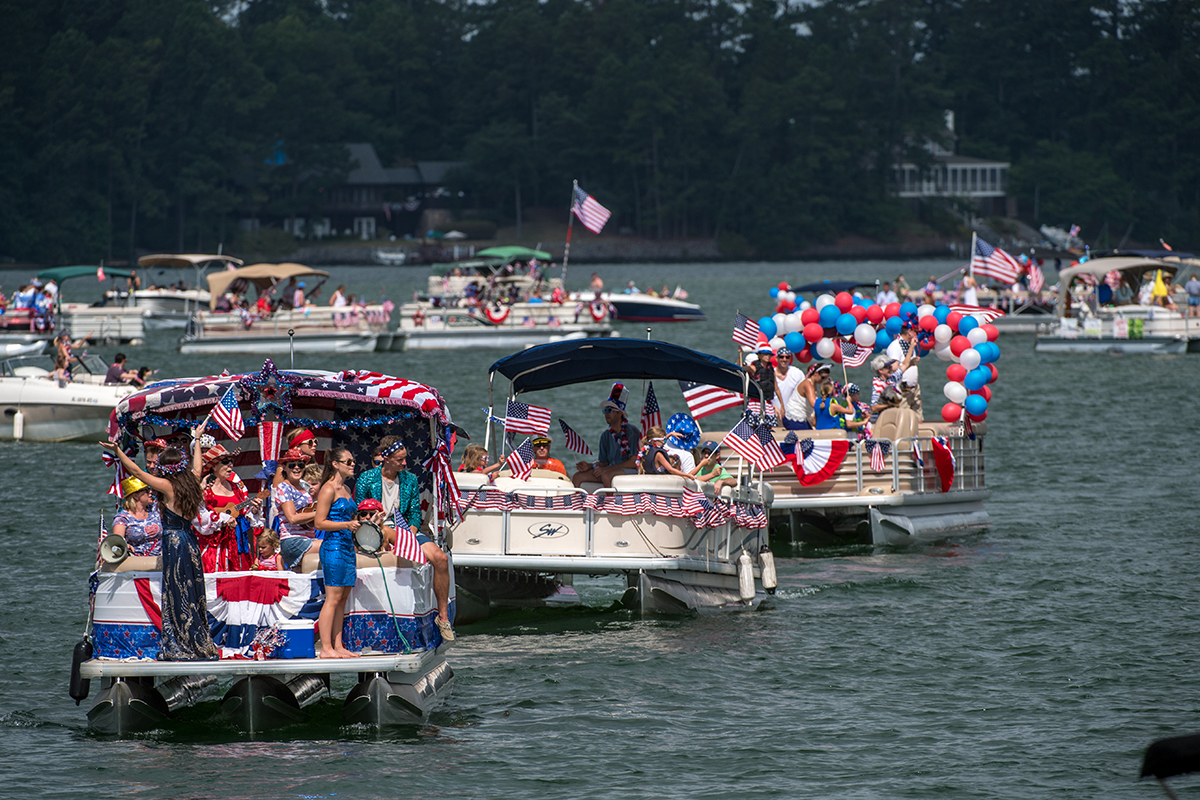Russell Marine 4th Of July Boat Parade Russell Lands On