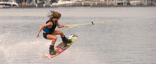 banner-wakeboarder-female